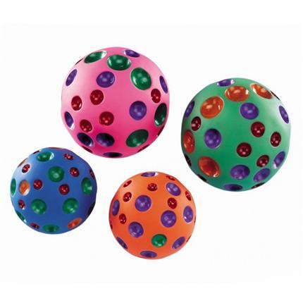 Noby žoga z luknjami - 10,5 cm
