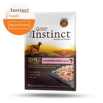 True Instinct High Meat Adult Medium - losos - 300 g